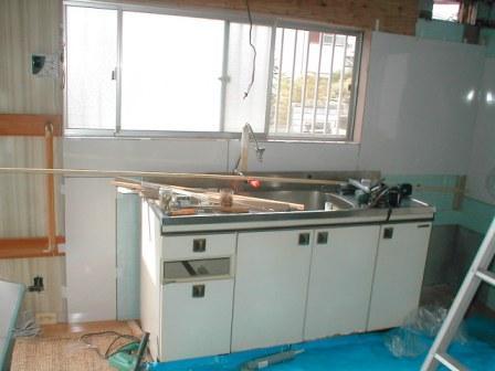 台所キッチン取替え?キッチンパネルの取付?正面側.JPG