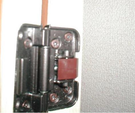2枚折り戸の納まり?折り戸チョウバンの間境専用金物.JPG