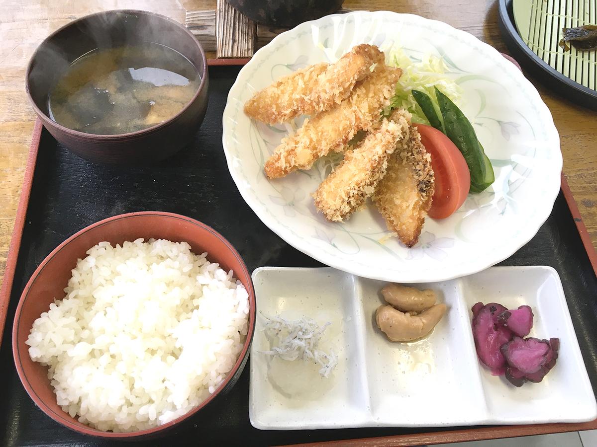フライ定食800円(税抜)