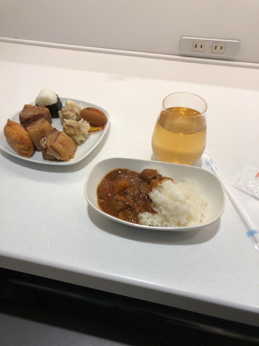 ANA LOUNGE 食事 カレー 豚の角煮
