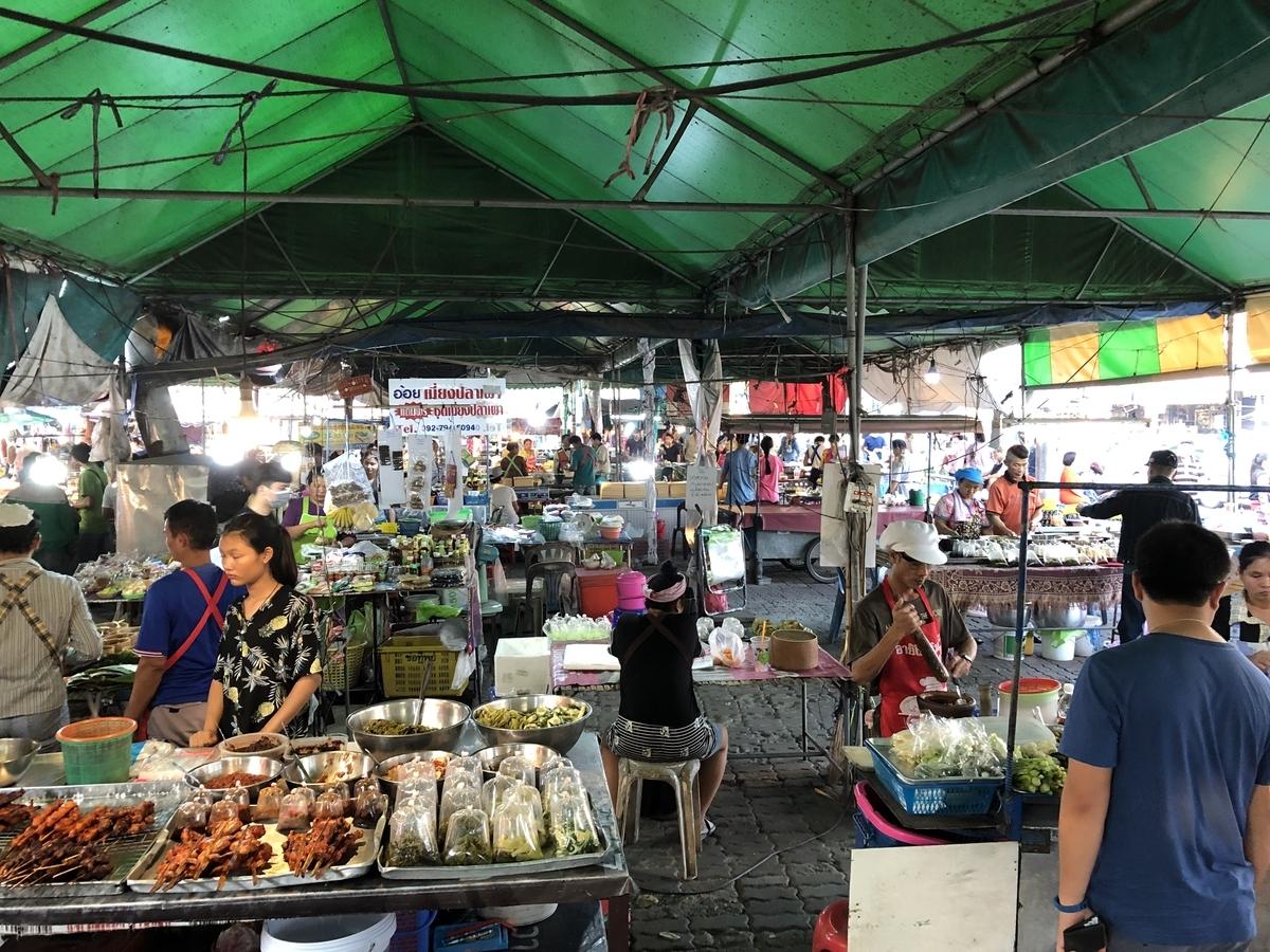 バンコク 街の市場