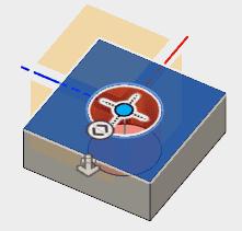 穴を開ける平面(スケッチが存在する側が良いです)を選択し、表示される穴をドラッグして、中心に配置します。