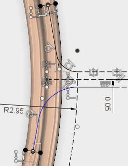 コイルの端点の中心点の位置に平面を構築し、スケッチします。