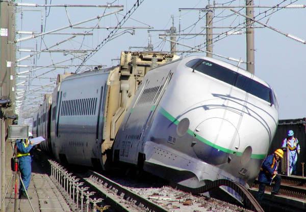 新幹線脱線事故 新潟県中越地震