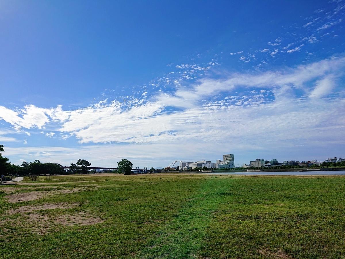 空と雲と海岸