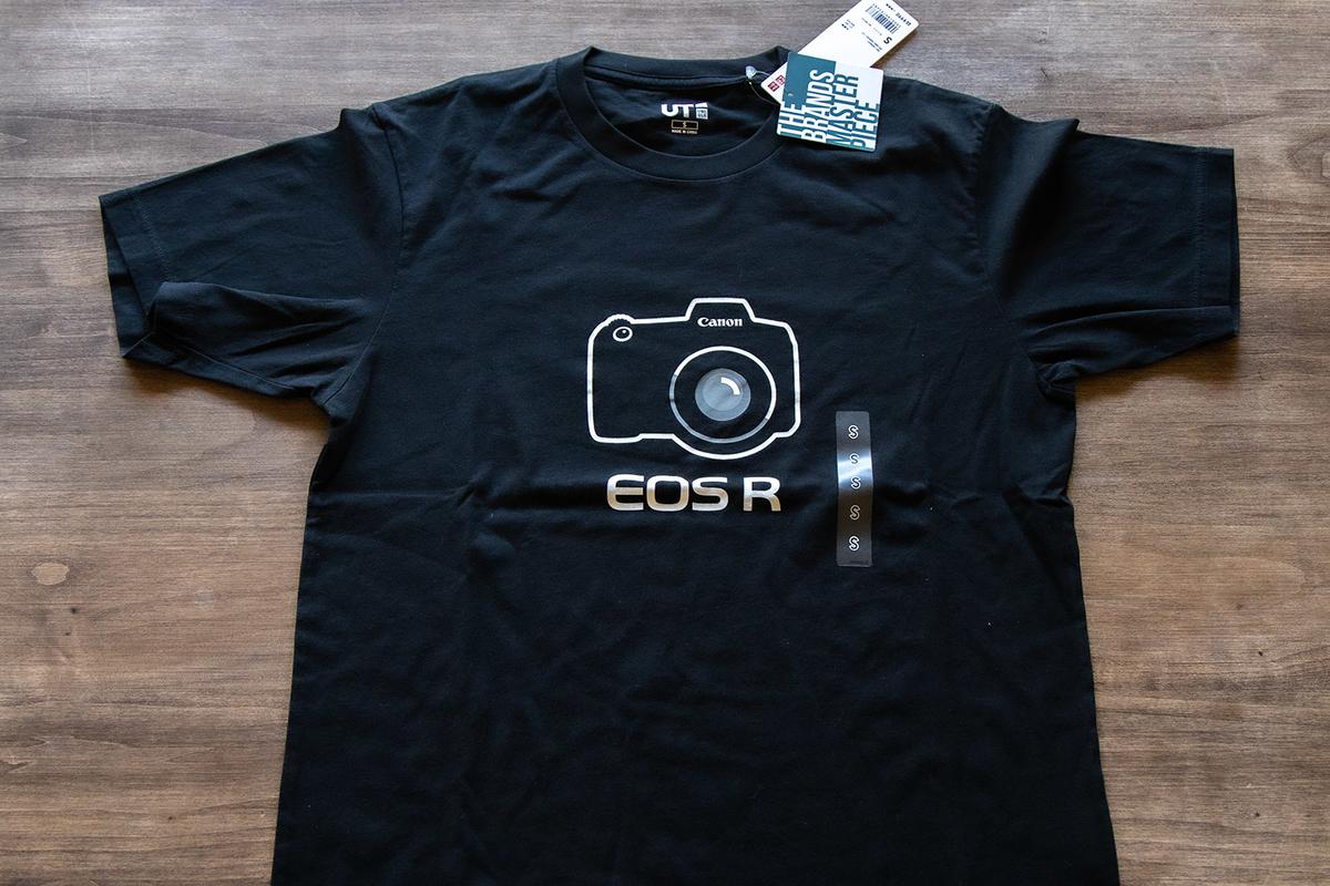 キヤノン EOS R Tシャツをゲット!ユニクロ UTコレクションのグラフィックTシャツ。