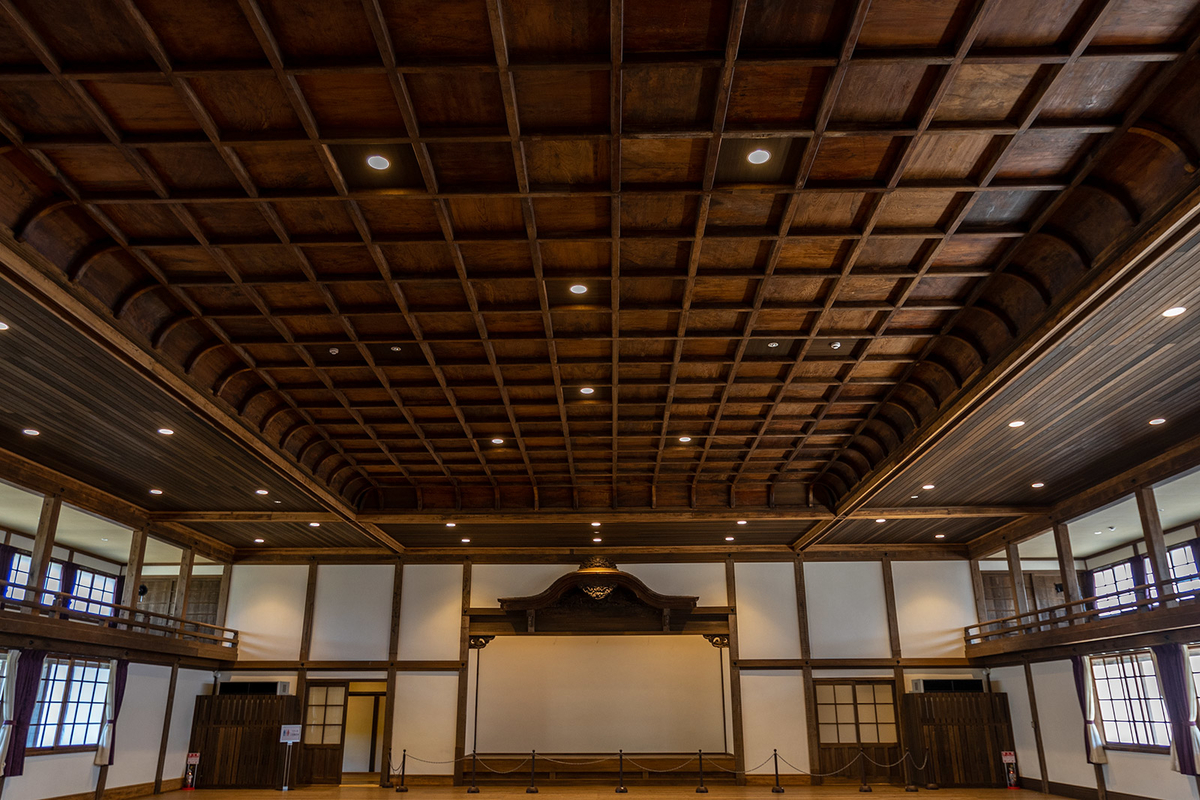旧和歌山県議会議事堂