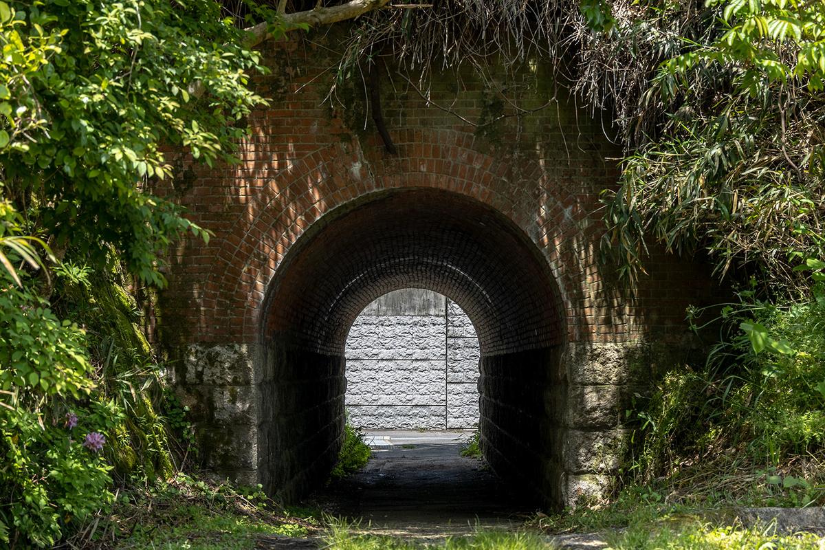 わずか9年の幻の大仏鉄道跡の隧道や橋台などの鉄道遺構を訪ねる