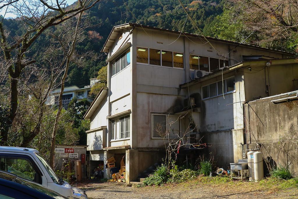 大阪の秘境の温泉、犬鳴山温泉の湯元、温泉荘山乃湯