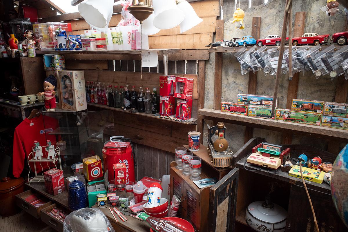 昭和レトロなグッズだらけの骨董カフェMINCA465でランチ。子供の頃に実家にあった物を多数発見してエモかった。