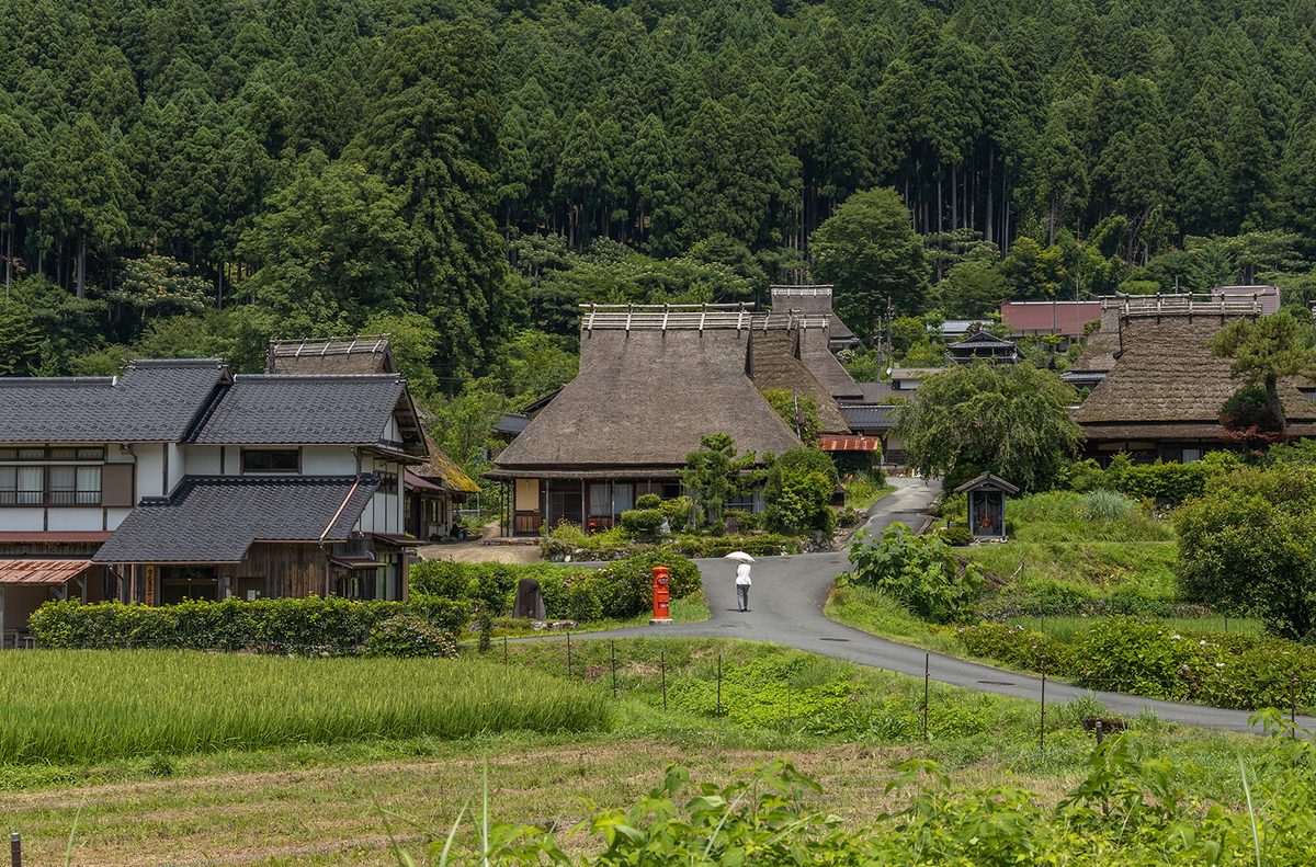 京都府の絶景スポット。日本の原風景「美山かやぶきの里」へ