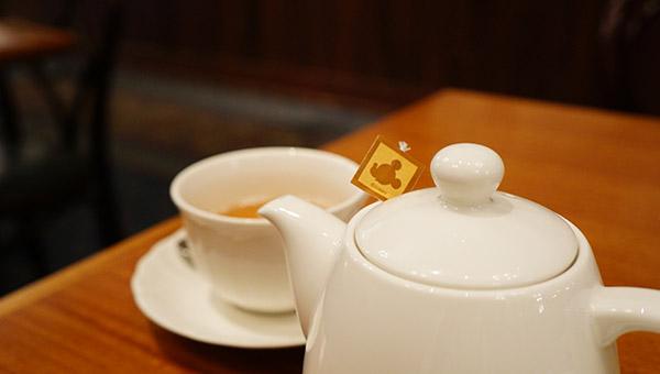 イーストサイドカフェの温かい紅茶