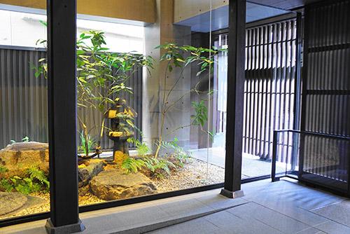 三井ガーデンホテル新町別邸中庭
