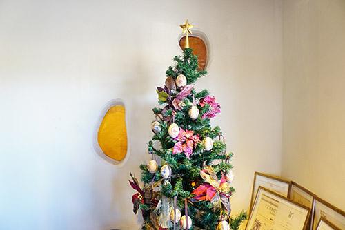 プラスワンズホームのクリスマスツリー