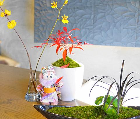 1月は着物にも似合う雰囲気のテーブルのお花