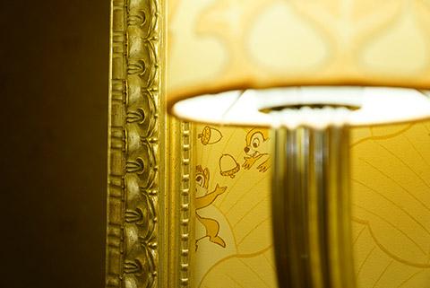 ライトや壁紙も大人な雰囲気