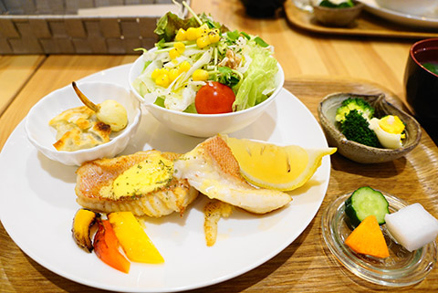 カフェレター杏のランチセット