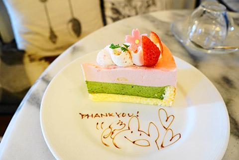 桜と抹茶のケーキ