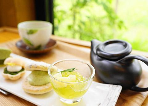 煎茶と白桃のゼリー
