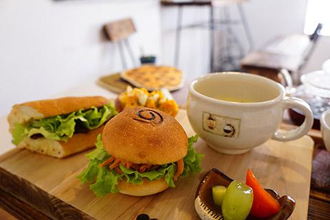 鐵屋+カフェの島のサンドランチセット