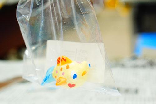 金魚の絵付けでかわいい金魚の完成