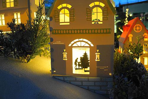 クリスマスツリーのあるおうち