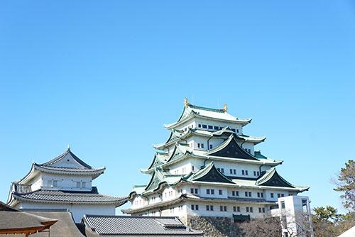 きれいな青空の日の名古屋城