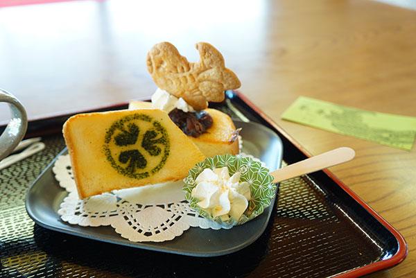 葵の紋入りトースト