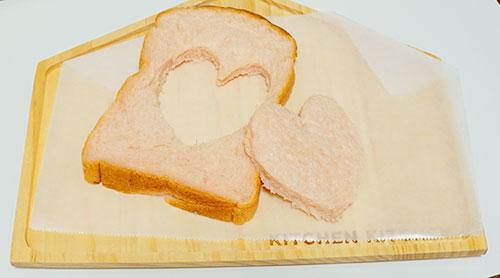 カニエベーカリーの紅麹食パン