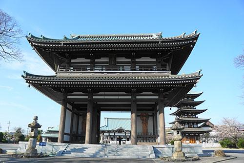 日泰寺の山門