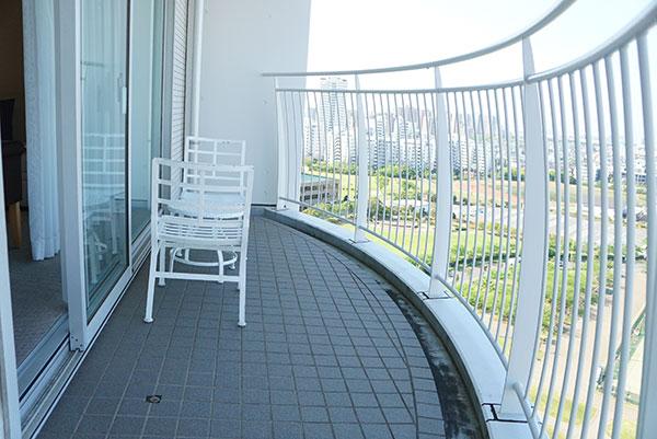 ホテルエミオンの和洋室のテラス