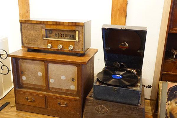 昭和時代のレコードプレーヤー