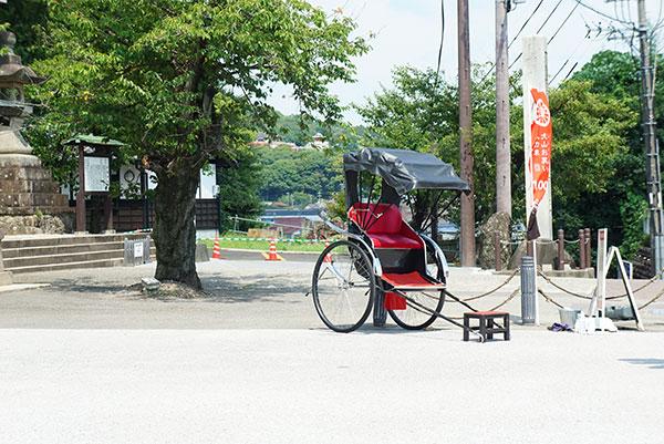 犬山の芸人さんが案内する人力車