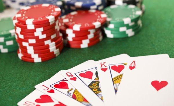 Ukuran Penting Poker Membagi Pemimpin
