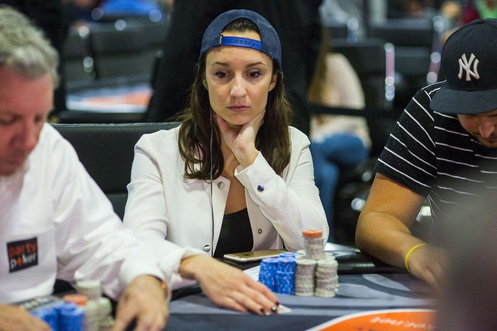 Posisi Pertandingan Duduk Poker Dunia