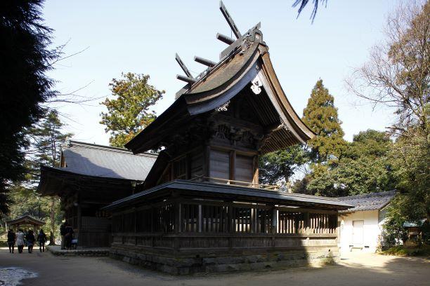 玉作湯神社の本殿