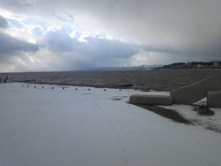 雪の宍道湖