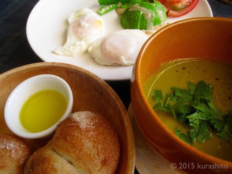 休日の朝食に、週末の作りおきでカボチャのポタージュ。