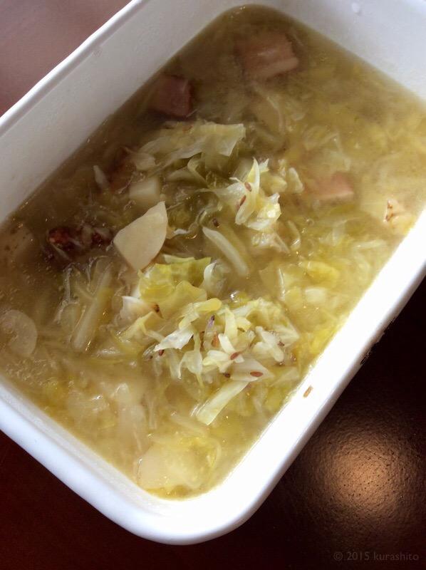 自家製ザワークラウトで、旨みたっぷりスープ。