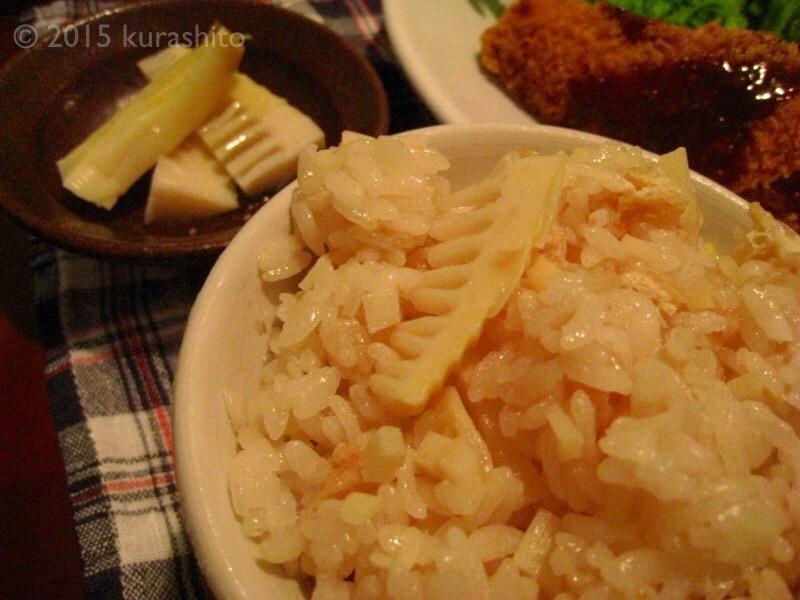 筍ご飯に、ワカメと筍のお味噌汁、穂先を塩とオリーブオイルで