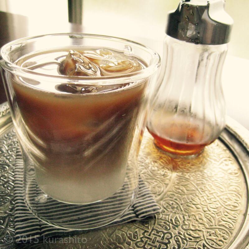 自家製カフェオレベースと、きび砂糖シロップ。