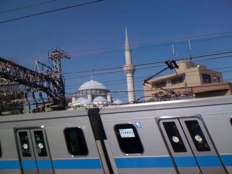 代々木上原なうモスクが…