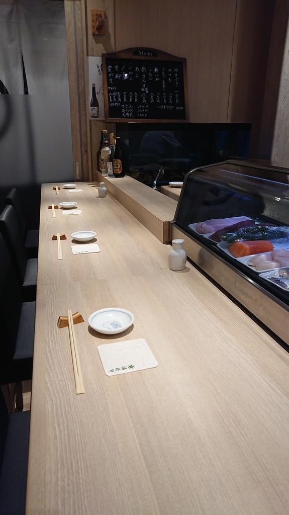 お寿司屋さんのカウンター