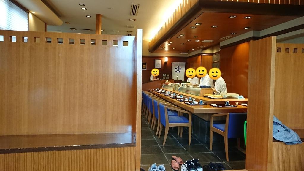 亀喜寿司のカウンター席