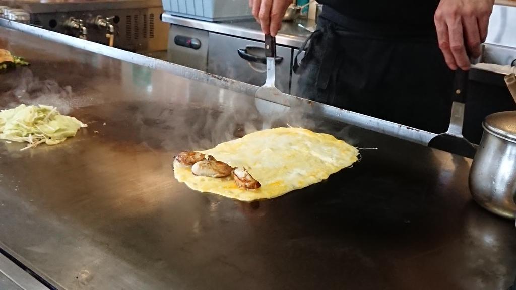 卵に乗った焼き牡蠣