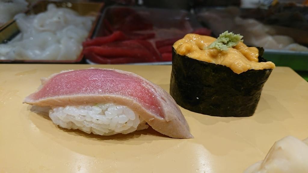 「漬まぐろ」「うに」の寿司