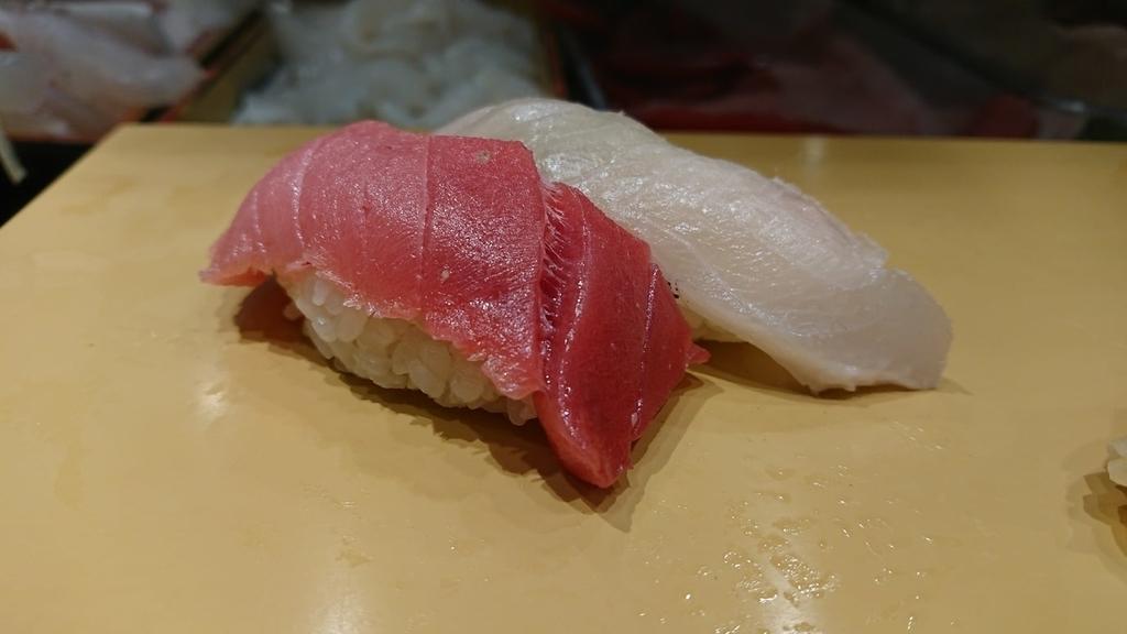 中とろとハマチの寿司