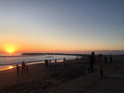 初日の出 防波堤