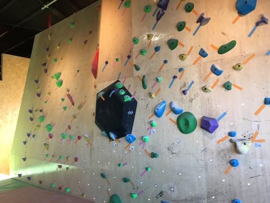 初心者壁 ボルダリング Climbing Gym B'nuts クライミングジム ビーナッツ
