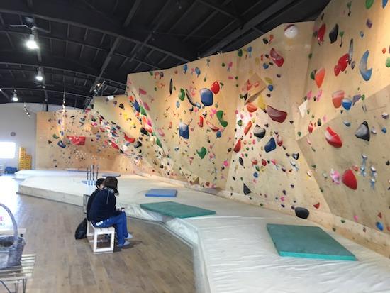 ボルダリング Climbing Gym B'nuts クライミングジム ビーナッツ
